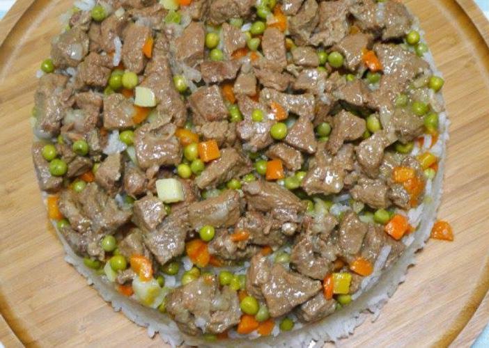 الأرز بحشو اللحم والبازلاء على الطريقة السعودية