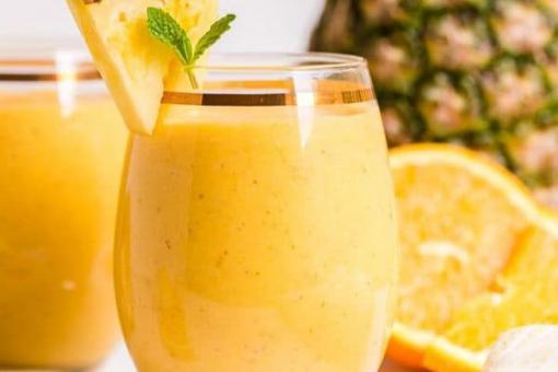 عصير الفواكه الإستوائية