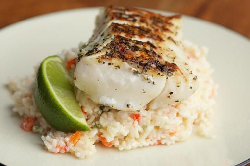 أرز أبيض خاص بالسمك