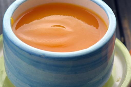 طريقة عمل حساء الجزر للرضيع