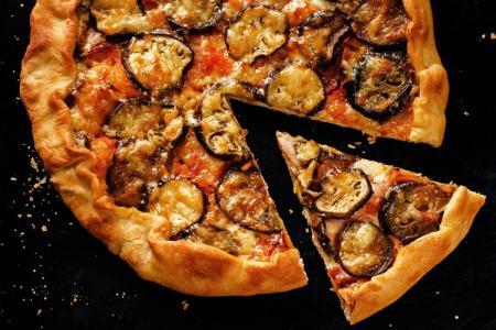 طريقة عمل بيتزا الباذنجان