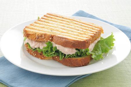 ساندويش التونة