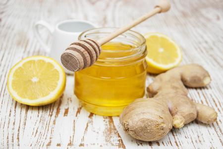 مشروب الليمون و العسل و الزنجبيل