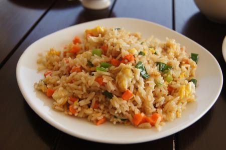 الأرز الياباني المقلي