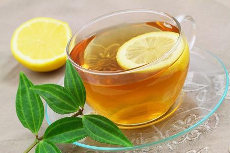 مشروب الشاي الأخضر بالليمون