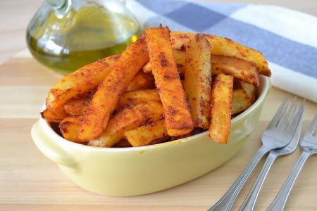 البطاطا المقلية مع بهار الفلفل أحمر البابريكا