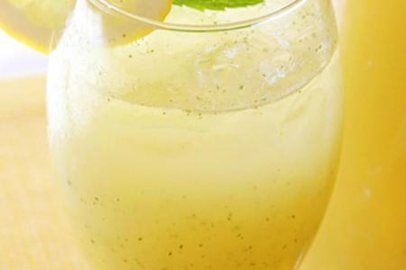 ليموناضة الليمون بالنعناع