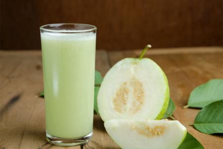 عصير الجوافة بالقشطة