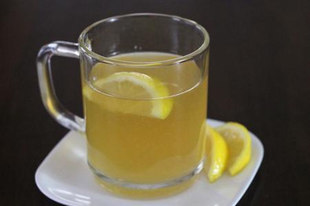 شراب الليمون الساخن بالعسل