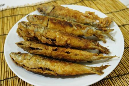 سمك السردين المقلي