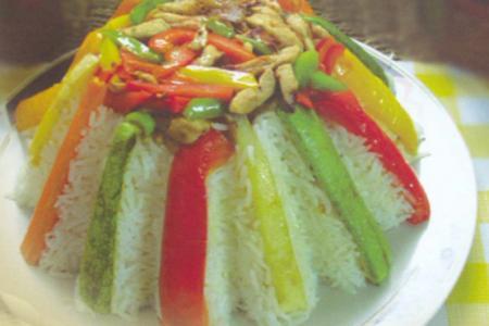 طريقة عمل قلعة الأرز الملونة بالدجاج