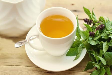 الشاي الأخضر بالريحان