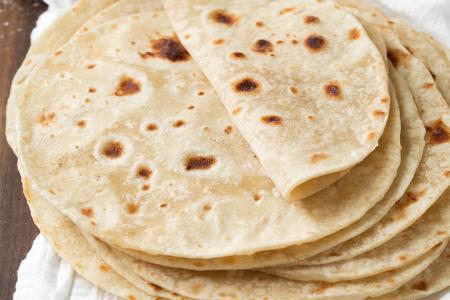 خبز التورتيلا بطريقة سهلة وبسيطة