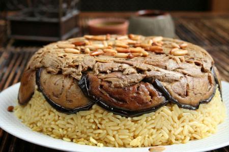 طريقة عمل مقلوبة الباذنجان باللحم