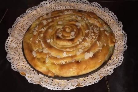 الكعكة اللولبية أو المحنشة