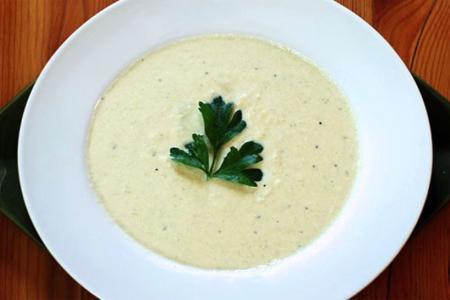 حساء الأرضي شوكي أو شوربة الخرشوف