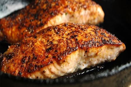 طريقة عمل سمك السلمون المحمر