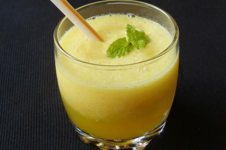 عصير البطيخ الأصفر